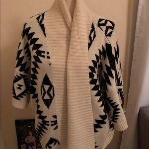 Forever 21 Sweaters - Forever 21 tribal print sweater